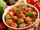 Рецепта Канелени свински кюфтенца в доматен сос